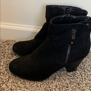 Shoes - Black faux suede booties